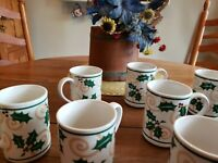 Retroneu 8 Coffee Mugs Golden Holly
