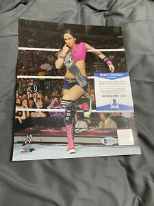 AJ Lee Signed original WWE Photo File 8 x 10 Very Rare - Certified by Beckett