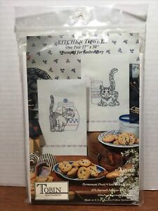 """Tobin KITCHEN TOWELS One pair 17"""" x 30"""" Stamped for Embroidery KITTENS #6474/41"""