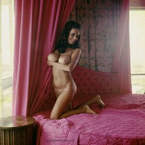 Bunny Yeager 1970 Color Camera Transparency Nude Ruth Anderson Teaser Pose Hot