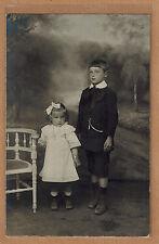 Carte Photo vintage card RPPC enfants frère et soeur robe habits mode kh0179