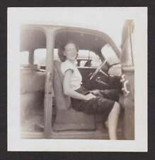 WOMAN SITTING IN CAR w/OPEN DOOR OLD/VINTAGE PHOTO SNAPSHOT- T72