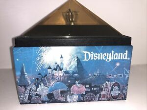ORIGINAL Disneyland Main Street Electrical Parade Pink Light Bulb Disney 1996