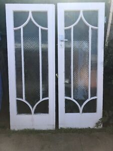Wooden double doors with glass design (No Key)
