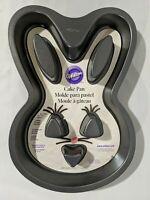 """Wilton Easter Bunny Non-Stick 13"""" Cake Pan Jello Mold 2105-0819"""