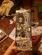 Monster High Skull Shores Frankie Stein Black and White edition
