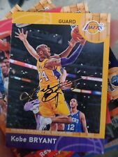 Kobe Bryant Chinese Golden Foil Signature No.8 Panini