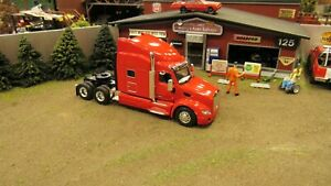 HEIL RED PETERBILT PETE 579 SEMI CAB SLEEPER TRUCK SPECCAST 1:64/ MTB FITS DCP