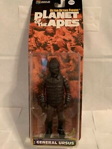 """Planet of the Apes """"General Ursus"""" Ultra Detail Figure Medicom Toy"""
