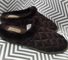 Brookstone Quilted Brown Memory Foam Slippers Size M/9