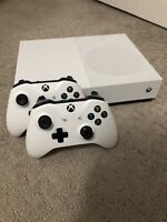 Microsoft 1681 Xbox One S 500GB White Console With Rechargeable Dock