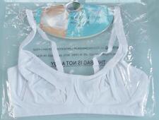 (bra003) • •  brand new • womens white sports bra • BNIP •  size 36DD • •
