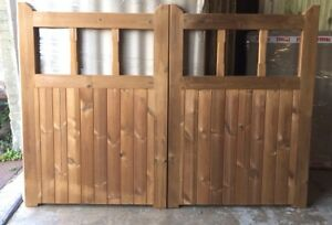 Pair of Thermowood (Thermally Modified Timber) Top Bar Driveway Gates