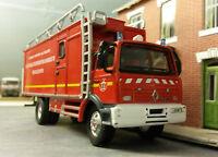 1:76 80 87 HO/OO/00 2005 Renault Hazardous Chemical Specialist Fire Engine Model