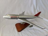 Northwest Boeing 747-400 N601US 1:200 Solid One-Piece Model Airplane