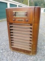 GE General Electric Tube Amp Console Radio J-1106 Wood