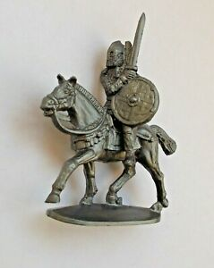 1/45 Mounted Viking Norman Warrior Soft Plastic Toy Soldier 42 mm Figure