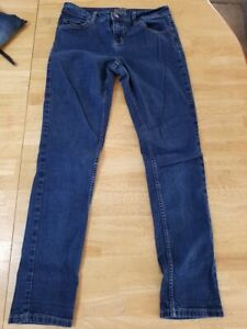 JUSTICE MID RISE SUPER SKINNY JEANS SIZE 16