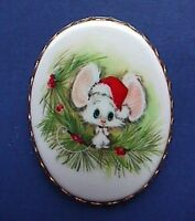 Hallmark PIN PENDANT Christmas Vintage CAMEO MOUSE SANTA HAT Holiday Brooch RARE