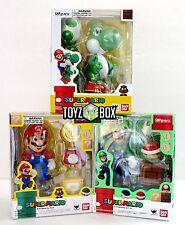 """In STOCK S.H. Figuarts """"Yoshi + Super Mario + Luigi"""" Bandai Action Figure"""