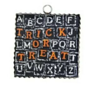 Round Top Collection NWT - Mini Trick Or Treat Scramble Print - Metal & Wood