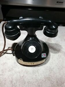 VINTAGE EMPTY 1979 JIM BEAM DECANTER - 1928 FRENCH PHONE REPLICA - VG CONDITION
