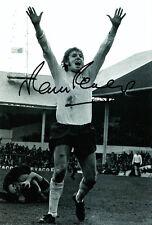 Tottenham Hotspur F.C Martin Peters Hand Signed Photo 12x8 1.