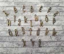 Letra del alfabeto chapado en bronce encantos personalizado nombre jewelllery haciendo inicial