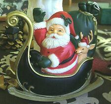 Spieluhr Weihnachtsmann im Schlitten / Batteriebetrieben