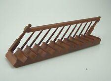 Treppe links aus Holz für Puppenstuben 1:12. Nußbaumfarbig. 21,5 cm