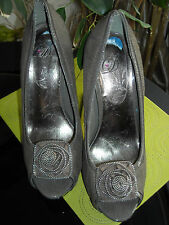 Ladies,size 6.Grey suede peep toe,stiletto shoes.Hidden platform.Zip flower trim