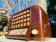 >> SCINTILLATING  1939 AWA eggcrate DECO bakelite valve radio