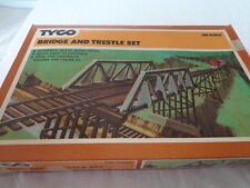 VINTAGE TYCO HO SCALE 33 PIECE BRIDGE AND TRESTLE SET