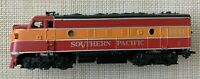 ATHEARN HO SCALE SOUTHERN PACIFIC DAYLIGHT F7A LOCOMOTIVE RUNS MISSING COUPLER