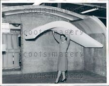 1961 US Army Lady Engineer Carries Plastic Panels Fort Belvoir Lab Press Photo