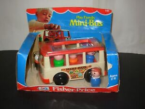 Vintage Fisher Price Mini Bus with 5 Little People New in Original Package 1977