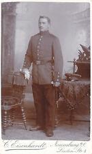 Soldat mit Dolch,Schirmmütze Atelier Naumburg Kabinettfoto