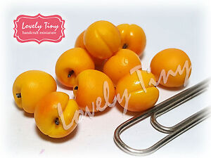10 Pcs.Loose Miniature Apricots Dollhouse Miniatures Fruits