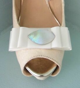 2 Light Ivory Bow Clips for Shoes with Pearl Style Centre