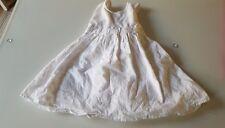 Zuckersüßes Kleid von Jako-O in weiß 68 für süße Mädchen