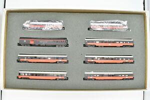 Con-Cor New Haven McGinnis Set 2 PA-1 Locomotives, 6 Passenger Cars
