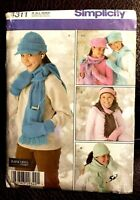 Simplicity Pattern 4311 Girls' Hats, Mittens Scarves Sizes S,M,L - New, Unused