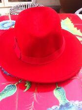 Chapeau 100% feutrine de laine rouge made in Italie