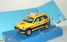 Chevrolet Lada Niva SUV 4x4 2005 russian Ambulance 03 Cararama 1:43