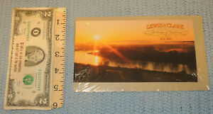 """2004 Lewis and Clark """"The Corps of Discovery"""" Prestige Booklet of 20 .37 cent"""