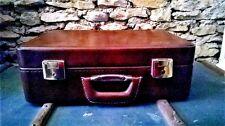 Vintage, valise necessaire de toilette, simili cuir marron, intérieur doublé.