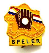Spilla Sportiva Baseball 1958 5° Europese Kamp.  Amsterdam - Speler cm 2,6 x 2,6