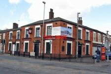 PHOTO  PUB 2011 ROCHDALE THE 'QUEENS' TWEEDALE STREET WHEN I FIRST PHOTOGRAPHED