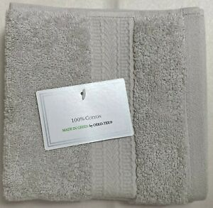 NWT HOTEL MADE IN GREEN COLLECTION 2 LIGHT GRAY COTTON WASHCLOTH TOWEL