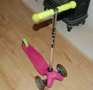 Mini Micro Classic Scooter pink